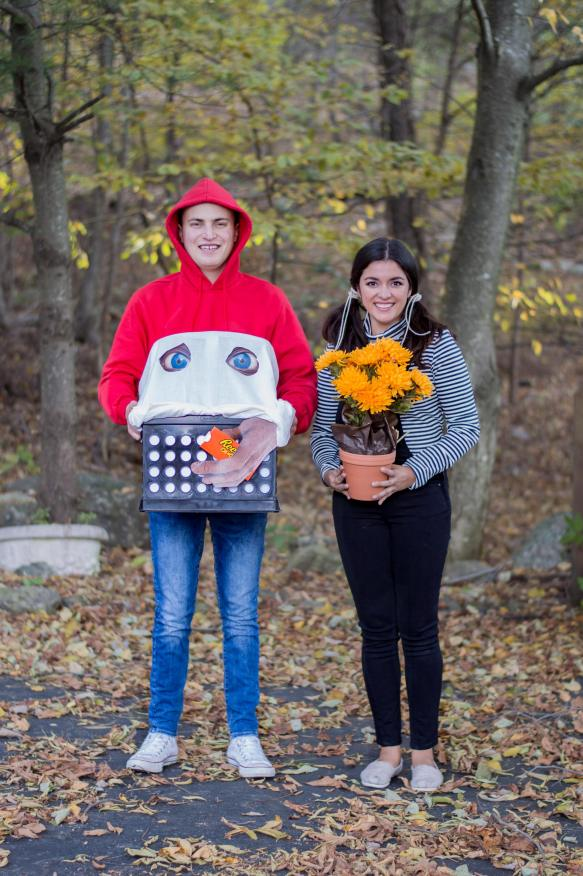 timeless-optimist-fashion-blog-Best-Halloween-Costume-Idea-Elliot-and-Gertie-from-E.T..jpg